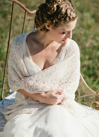 Jolis d tails pour accessoiriser votre robe de mari e ou celles de vos demoiselles d 39 honneur - Etole mariage hiver ...