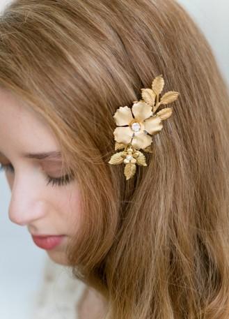 """Bijou de tête mariée """"Coline"""" avec fleurs en laiton et cristaux"""