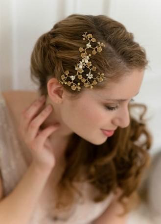 """Peigne de mariée """"Chiara"""" avec fleurs de cerisier, perles et cristaux"""