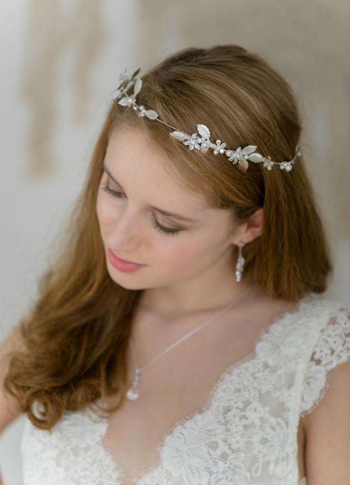couronne mariage el a avec fleurs feuilles perles et cristaux so h lo. Black Bedroom Furniture Sets. Home Design Ideas