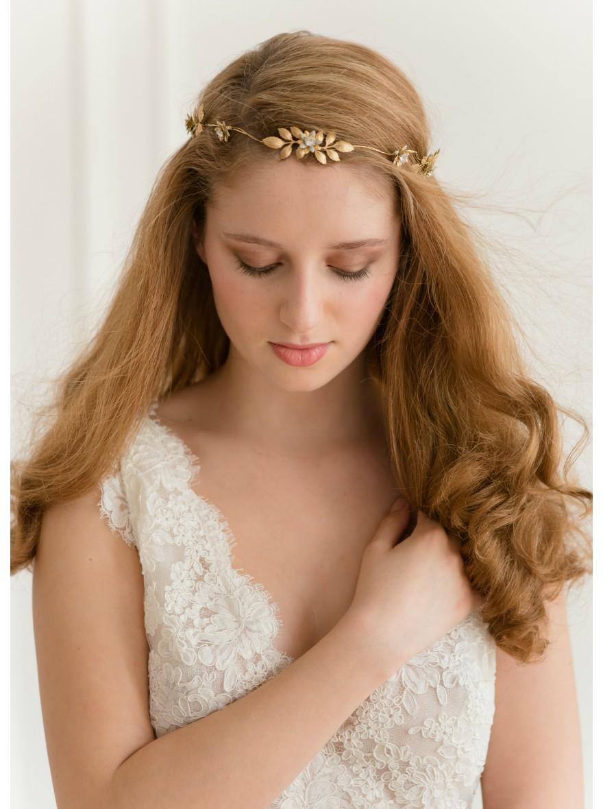 Coiffure avec couronne de fleur fashion designs - Coiffure avec couronne de fleurs ...