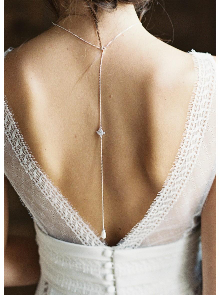 Collier avec bijoux de dos