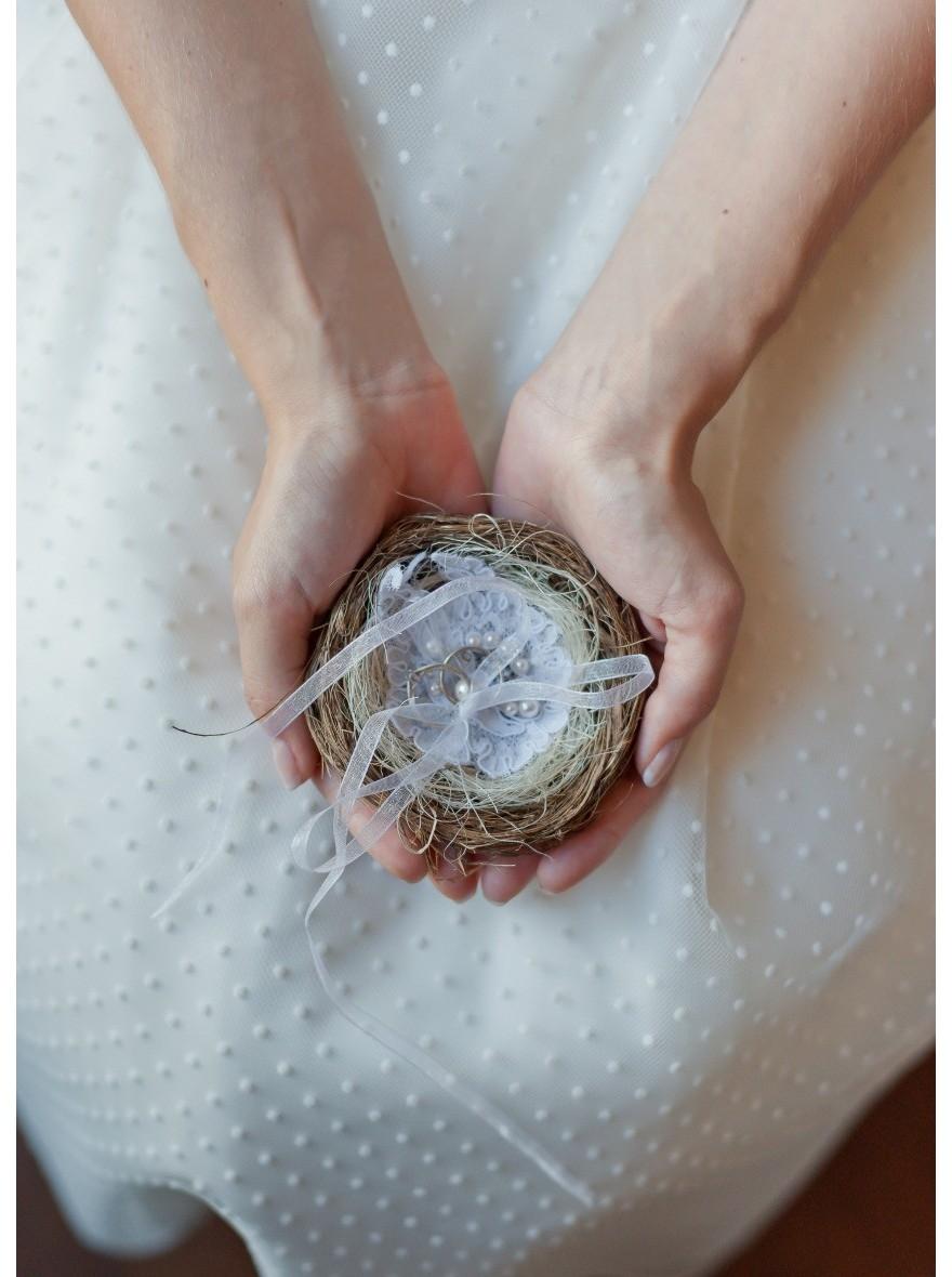Coussin d 39 alliances fait main avec fleurs de soie et dentelle - Support alliances mariage ...