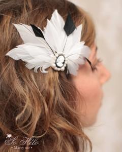 accessoire cheveux mariage style victorien avec plume et camé