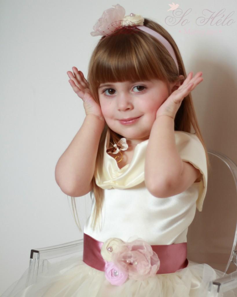 headband enfant pour mariage avec voilette et ceinture pour robe de cortège