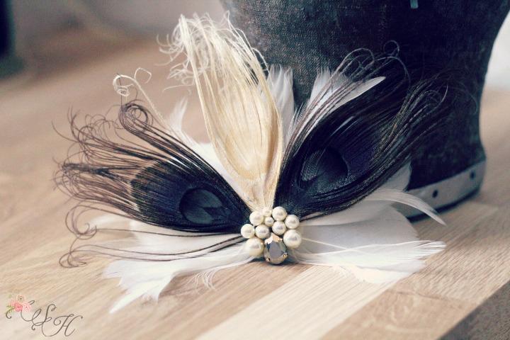 Accessoire coiffure r tro le blog d 39 h lo se bijoux de mari e conseils d corations et - Plume dans les cheveux ...