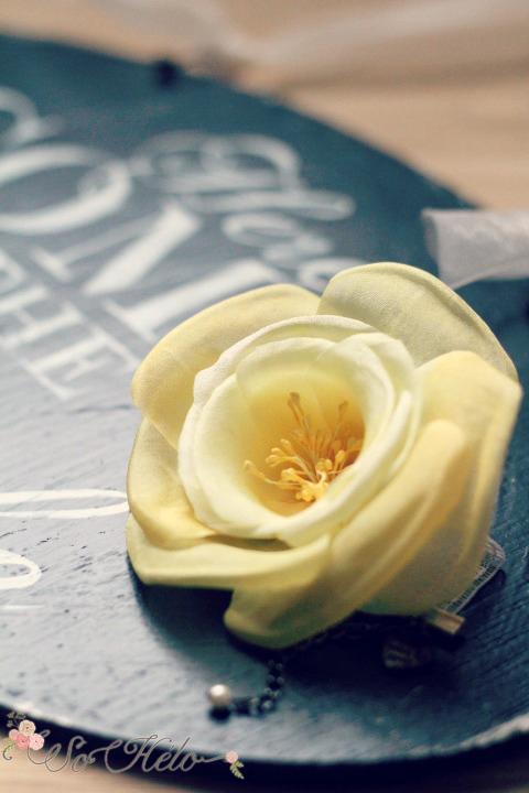 Fleur-rose-en-soie-mariée