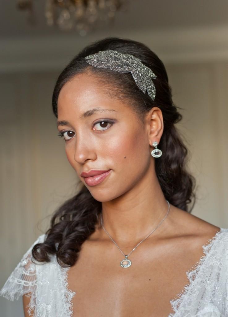 bijou-de-tête-motif-art-déco-mariage-collier-cabochon-oval