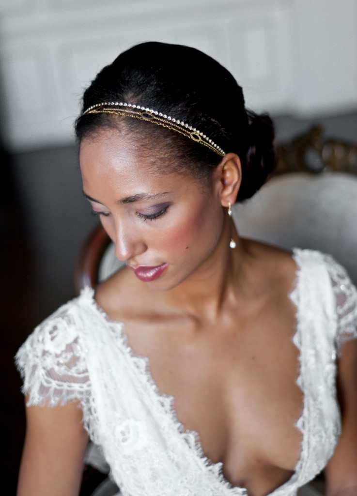 headband-mariage-trois-rangs-perles-cristaux-avec-bijou-de-dos-long-original