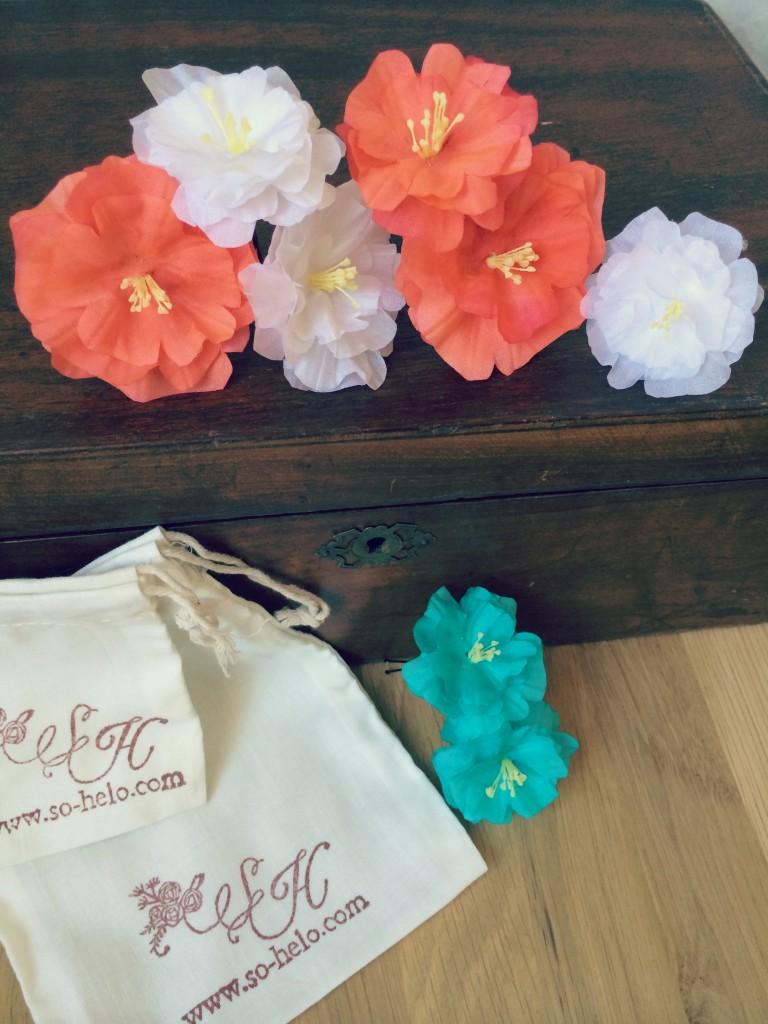pics cheveux mariées fleurs en soie