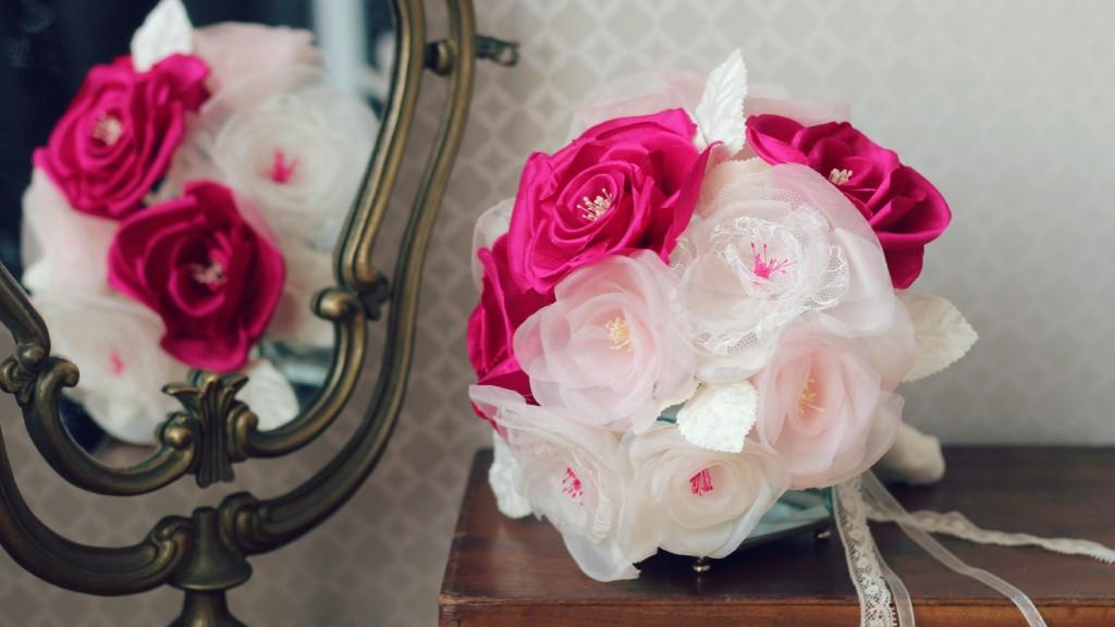 roses en soie et dentelle bouquet de mariée éternelle