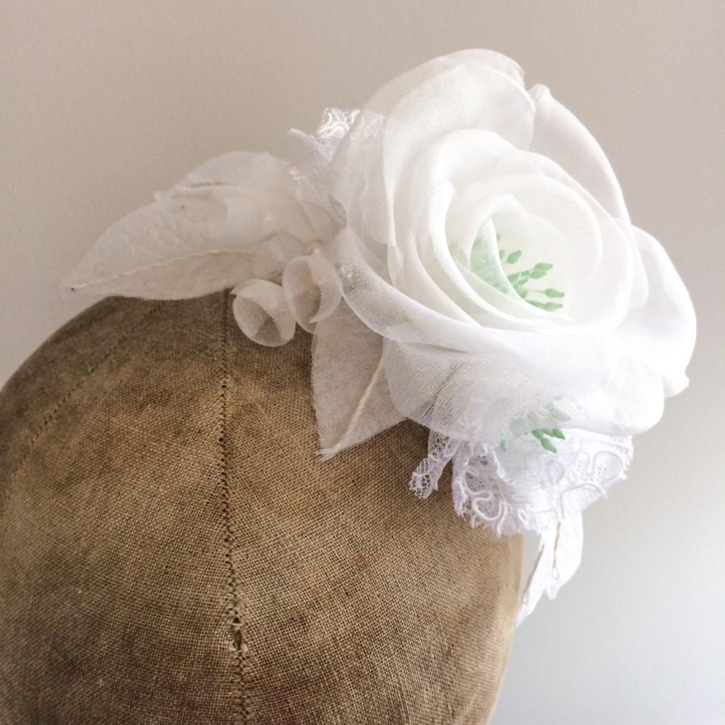 peigne floral mariée fleur dentelle et soie