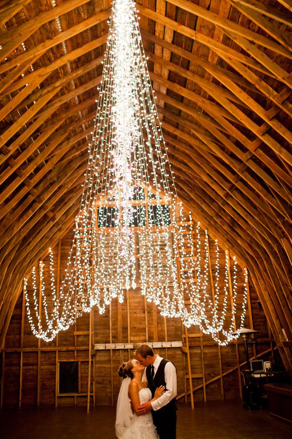 rideau lumineux grange mariage rustic