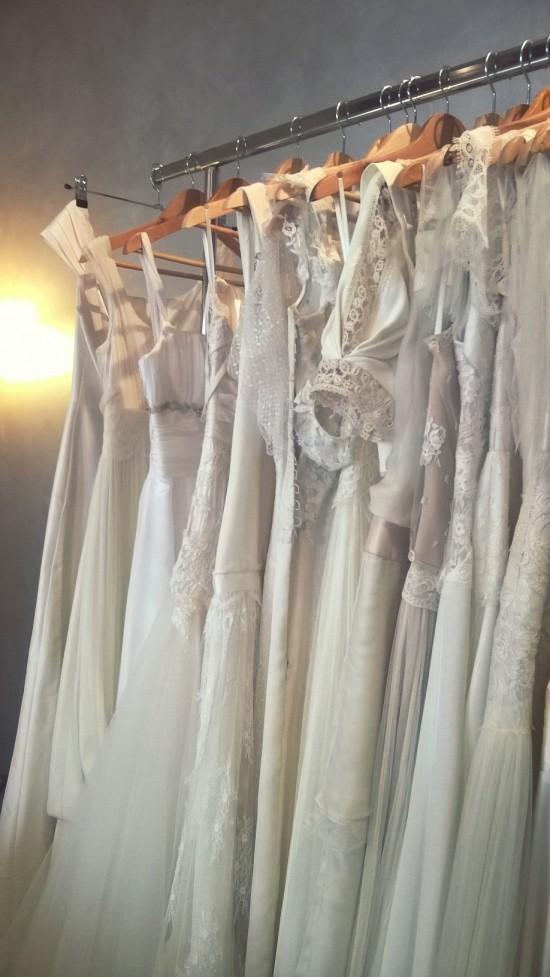 Portant  Confidentiel Création robes de mariée Sur-mesure