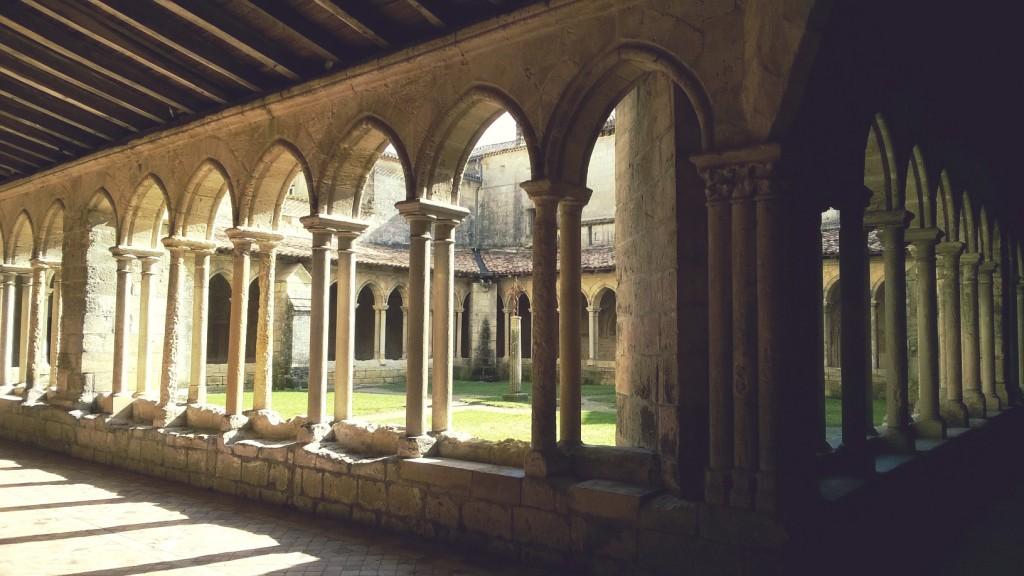 village saint Emilion Gironde vignoble cloître