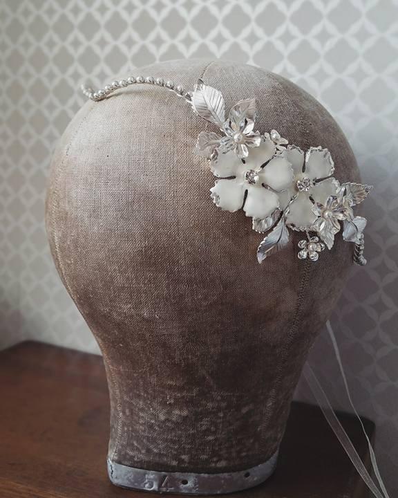 couronne mariée mariage romantique fleurs strass