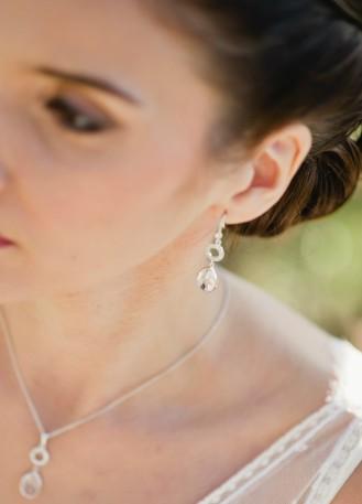 """Boucles d'oreilles mariée """"Maryline"""" avec pendants sertis"""