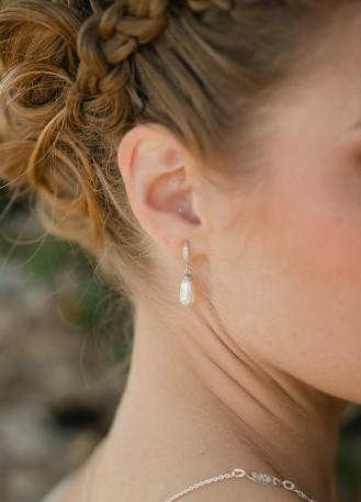 """Boucles d'oreilles mariée """"hannah"""" avec perles et dormeuses strassées"""