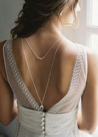 """""""Agnès"""" Collier de mariée avec pendentif et dos en cristal"""