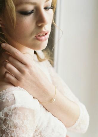 """Bracelet mariage """"Emilia"""" simple avec perle nacrée"""
