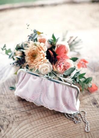 Pochette mariée/sac à main en soie avec dentelle rose