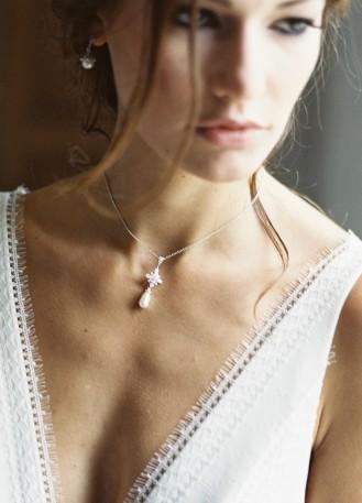 """""""Ornella"""" collier de mariée avec pendentif etoile et perle"""