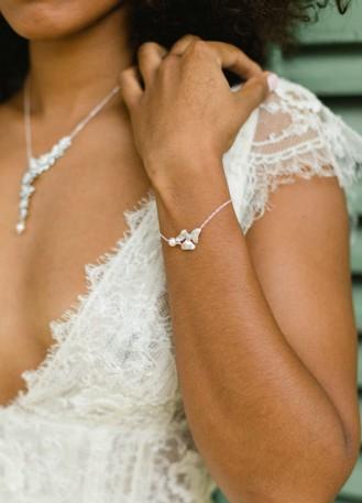 """Bracelet mariage """"Inès"""" avec perle et estampe fleuri"""
