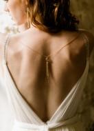 """Satine"" Bijou de dos amovible pour robe dos nu"