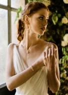 """Bracelet mariage """"Sarah"""" avec serti rétro et perles nacrées"""