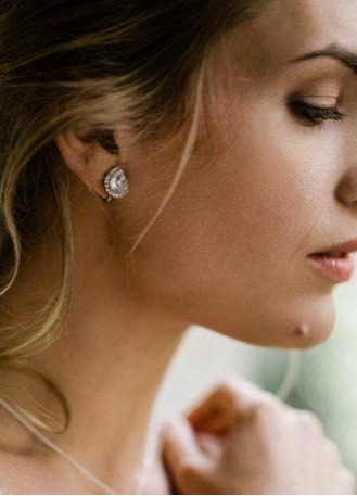 """Boucles d'oreilles mariée clips """"Iseult"""" avec serti au charme rétro"""