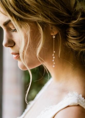 """Boucles d'oreilles mariée """"Lily"""" pendantes avec chaines et strass"""