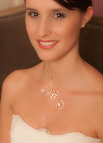 """""""Oui précieux"""" pendentif de mariage avec inscription oui"""
