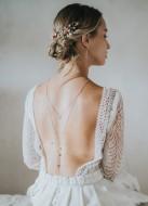 """""""Noeline"""" Collier de mariée avec pendentif fleur et dos en cristal"""