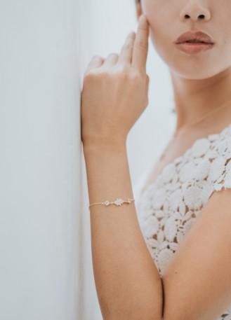 """Bracelet mariage """"Renesmée"""" au charme rétro"""