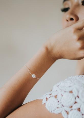 """Bracelet mariage """"Paola"""" simple avec perle nacrée"""