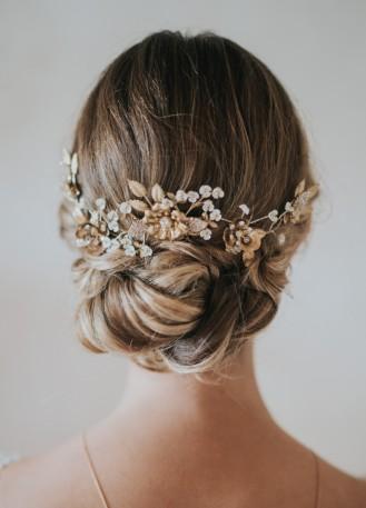 """Ornement de cheveux mariée """"Sybella"""" avec fleurs, feuillages et cristaux"""