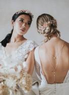 """Ornement de cheveux mariée """"Noelline"""" avec fleurs, perles et cristaux"""