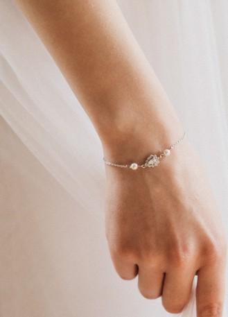 """Bracelet mariage """"Margaret"""" avec serti et perles nacrées discrètes"""