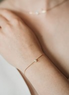 """Bracelet mariage """"Abby"""" simple avec perle eau douce"""
