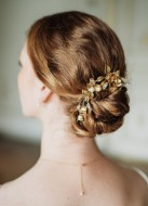 """Bijou de tête mariage """"Cléophée"""" avec fleurs et perles d'eau douce"""