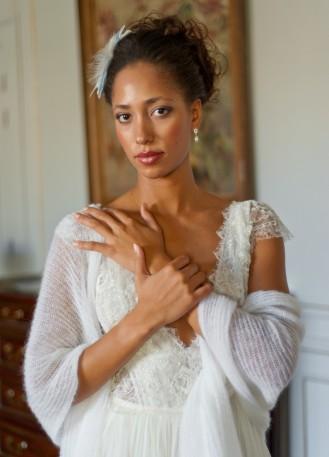 Douce et grande étole blanche/ivoire clair pour mariée