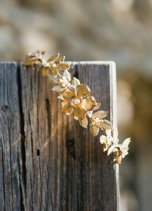 couronne-chic-laiton-fleurs-cristaux