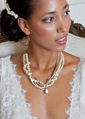 collier-mariage-oversize-perles-cristaux-mint-crème