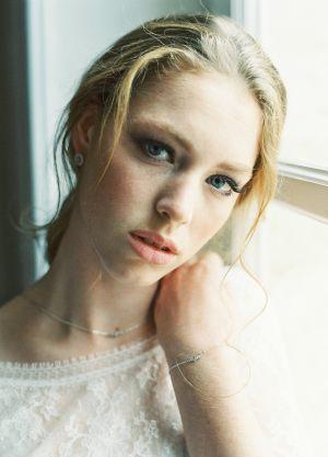 Sanya-bracelet-boucles-d-oreilles-mariage-strass-retro